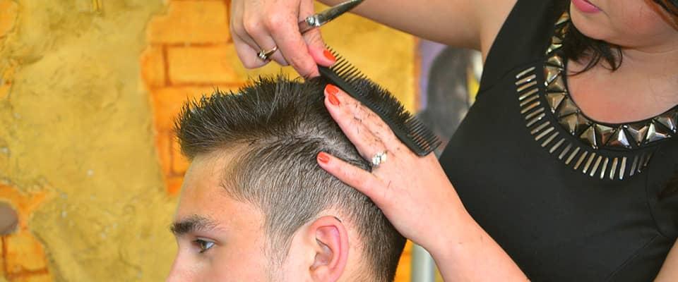 Lezioni di taglio di capelli